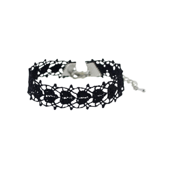 Hollowed Lace Heart Bracelet