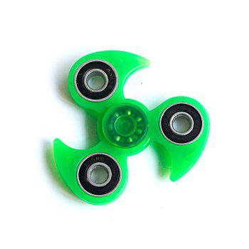 Glow in the dark Plastic Focus Toy Finger Tri-Spinner - GREEN