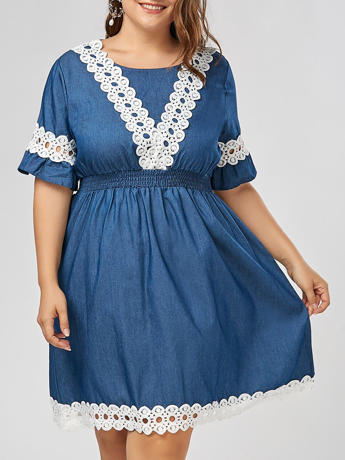 Plus Size Lace Panel Chambray Dress with Flare Sleeves - DENIM BLUE 5XL