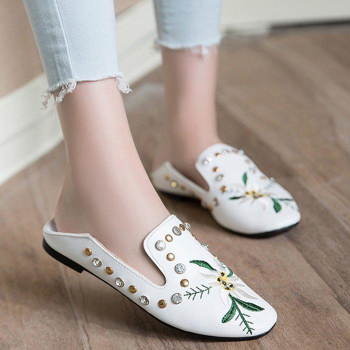 Embroidery Studded Flat Shoes