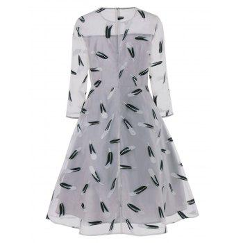 Feather Print See Thru Fit et Flare Dress - Gris M