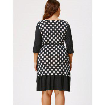 Polka Dot Print Plus Size Wrap Dress - Blanc et Noir 3XL