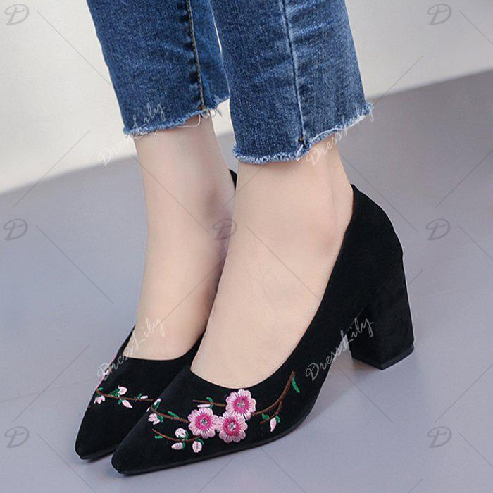 Pointed Toe Chunky Embroidery Flower Pumps - BLACK 39