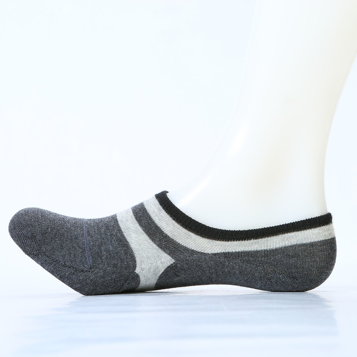 Pair of Stripe Pattern Embellished Cotton Ankle Socks - LIGHT GRAY ONE SIZE