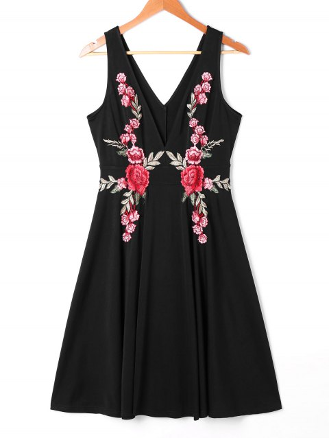 Embroidered Plunging Neck Swing Dress - BLACK 2XL