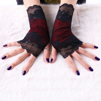 A Pair of Gothic Lace Fingerless Gloves - BLACK BLACK
