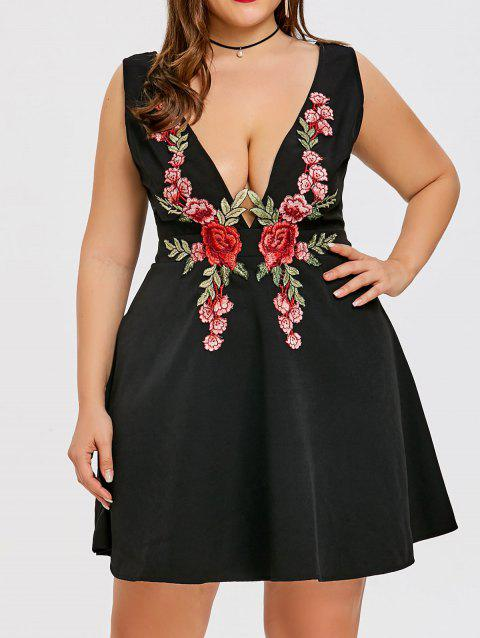 Low Cut Embroidered Plus Size Cocktail Dress - BLACK 4XL