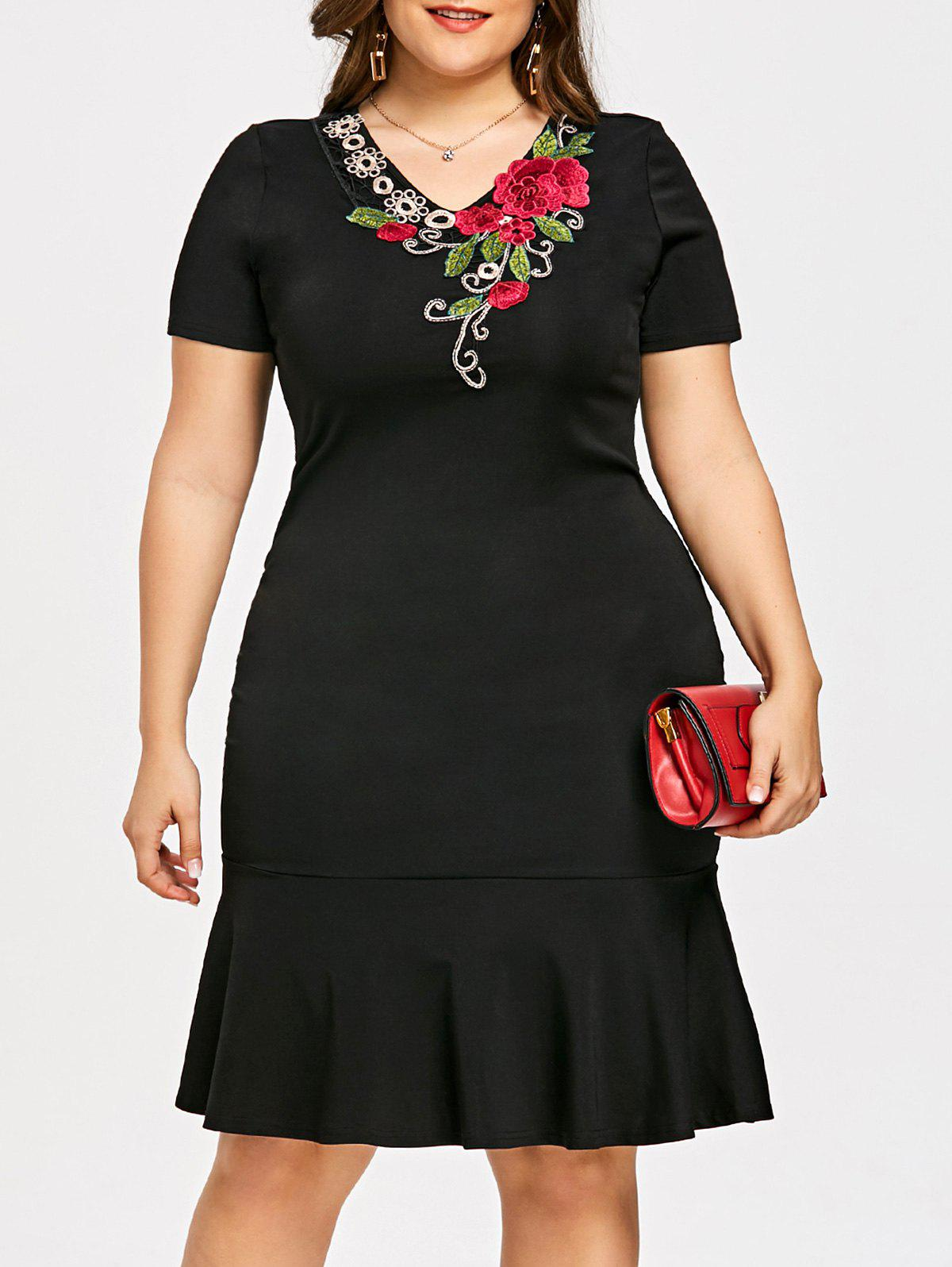 Plus Size V Neck Embroidery Mermaid Dress - BLACK XL