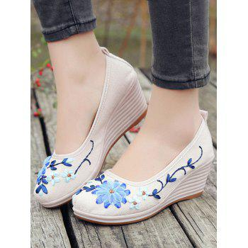 Floral Decorated Ethnic Wedge Shoes - WHITE 40
