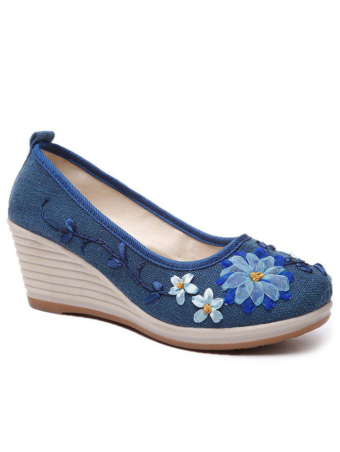 Floral Decorated Ethnic Wedge Shoes - BLUE 40