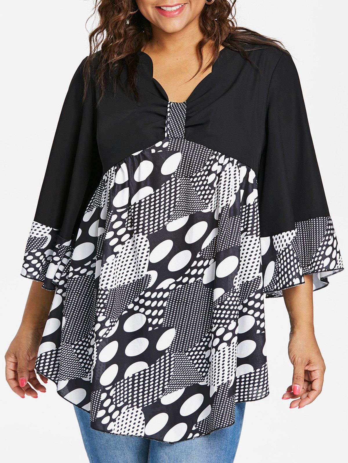 Plus Size Scalloped V Neck Tunic Blouse