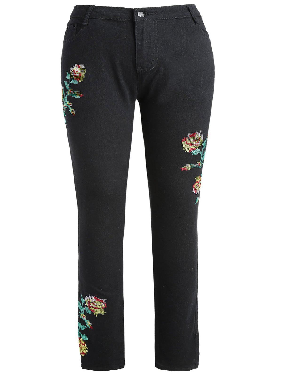 Plus Size Slim Fit Floral Embroidered Jeans - BLACK 2X