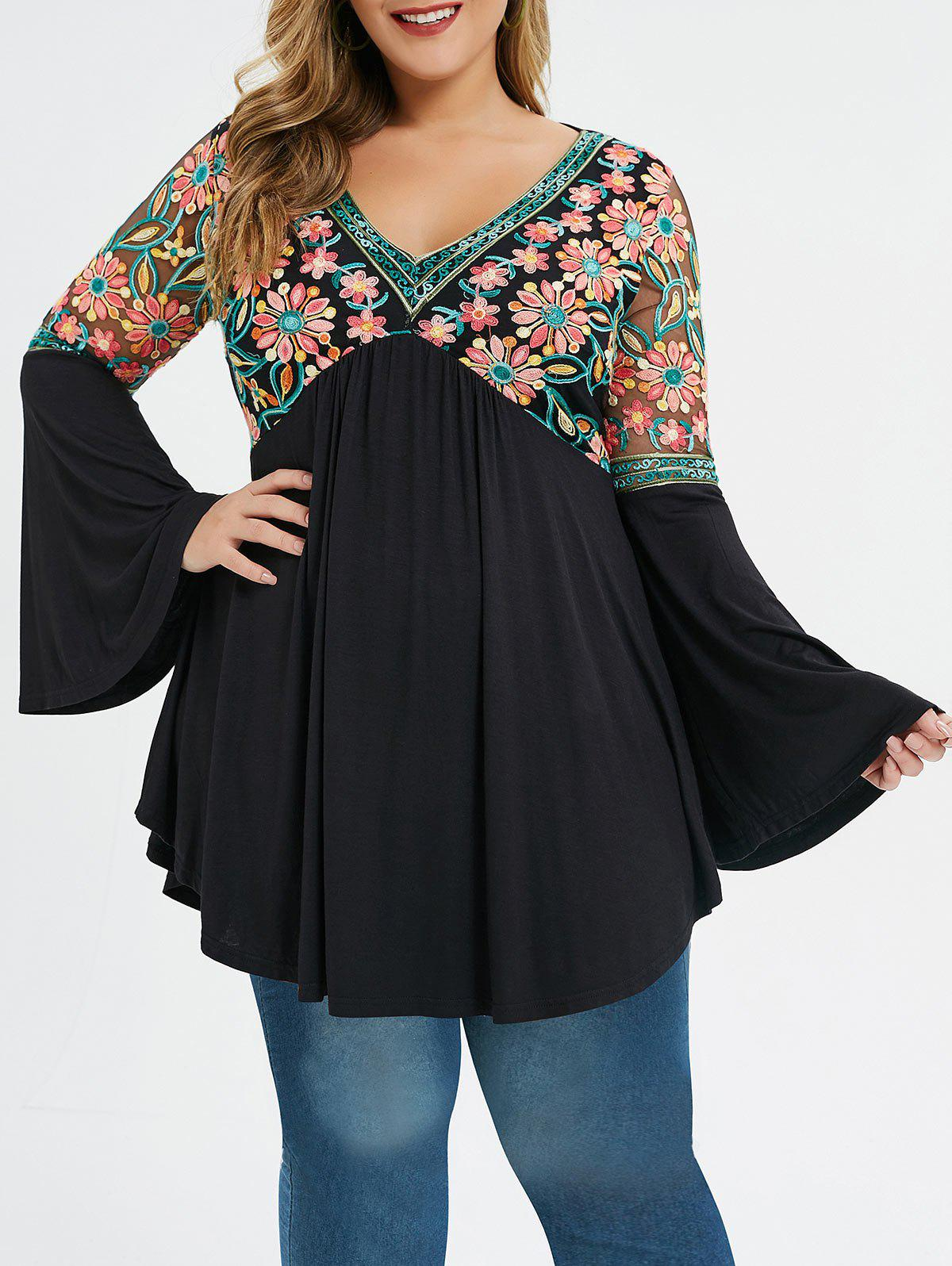 Plus Size Bell Sleeve Embroidery T-shirt - BLACK 3X