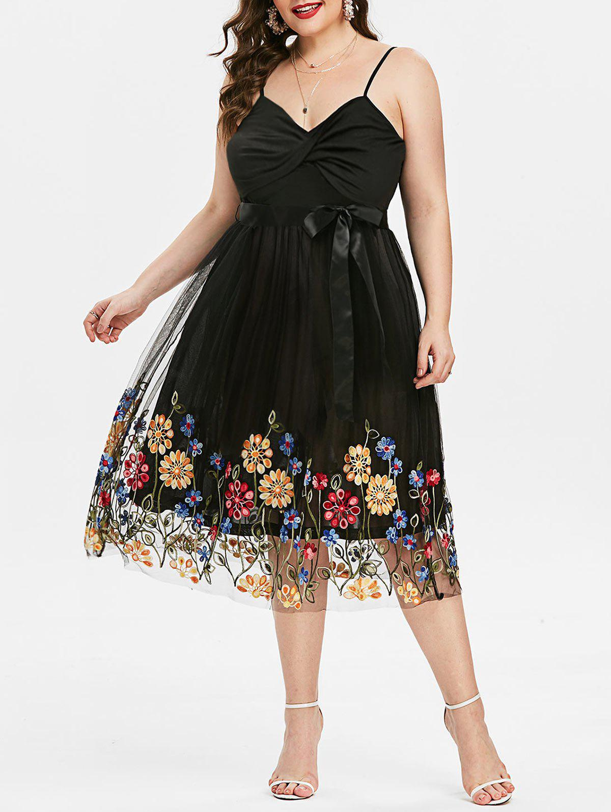 Plus Size Front Twist Embroidered Party Dress - BLACK L
