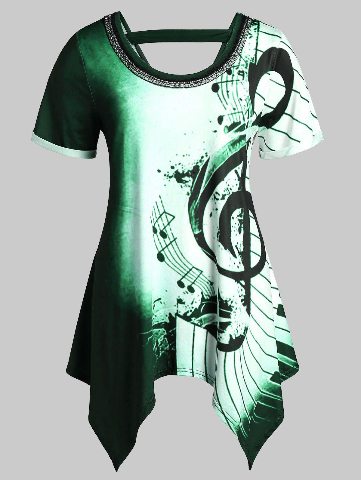 Plus Size Asymmetrical Musical Notes Print Chains Embellished Tee - LIGHT GREEN 2X