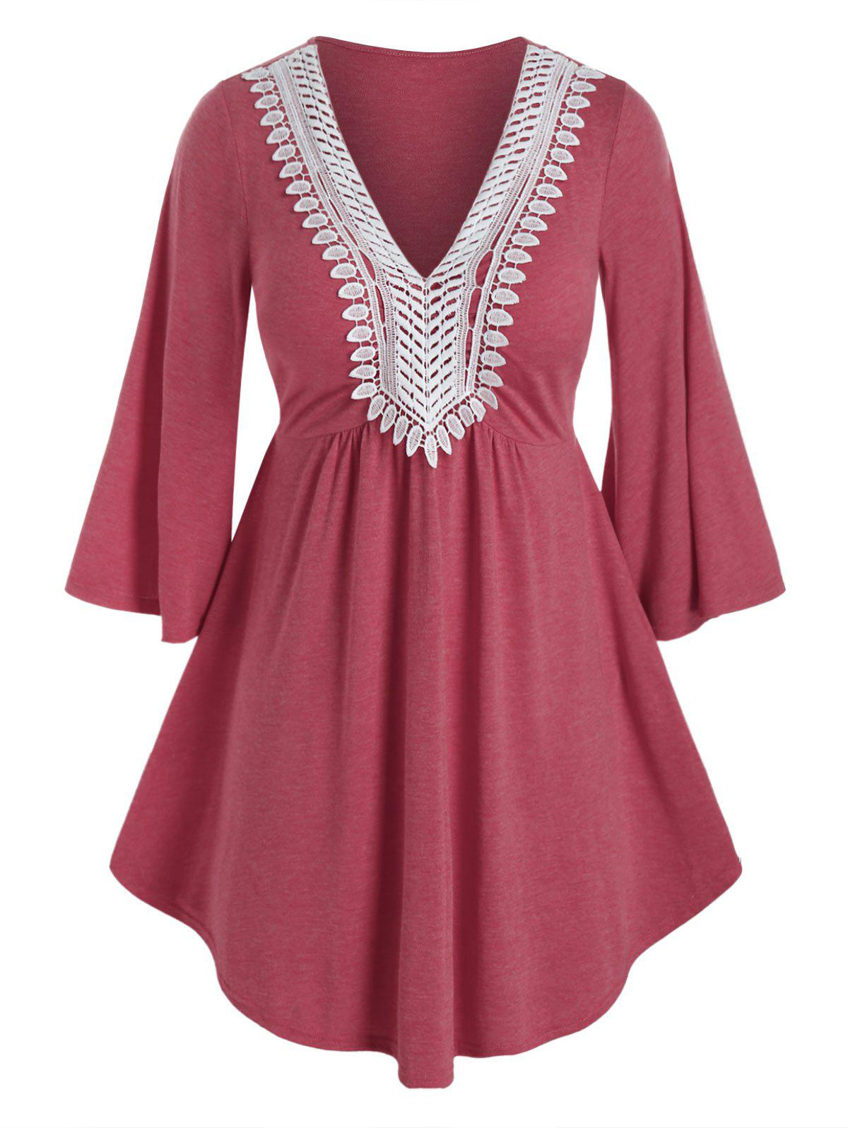 Plus Size Applique Panel Bell Sleeve Long Tee - VALENTINE RED 1X