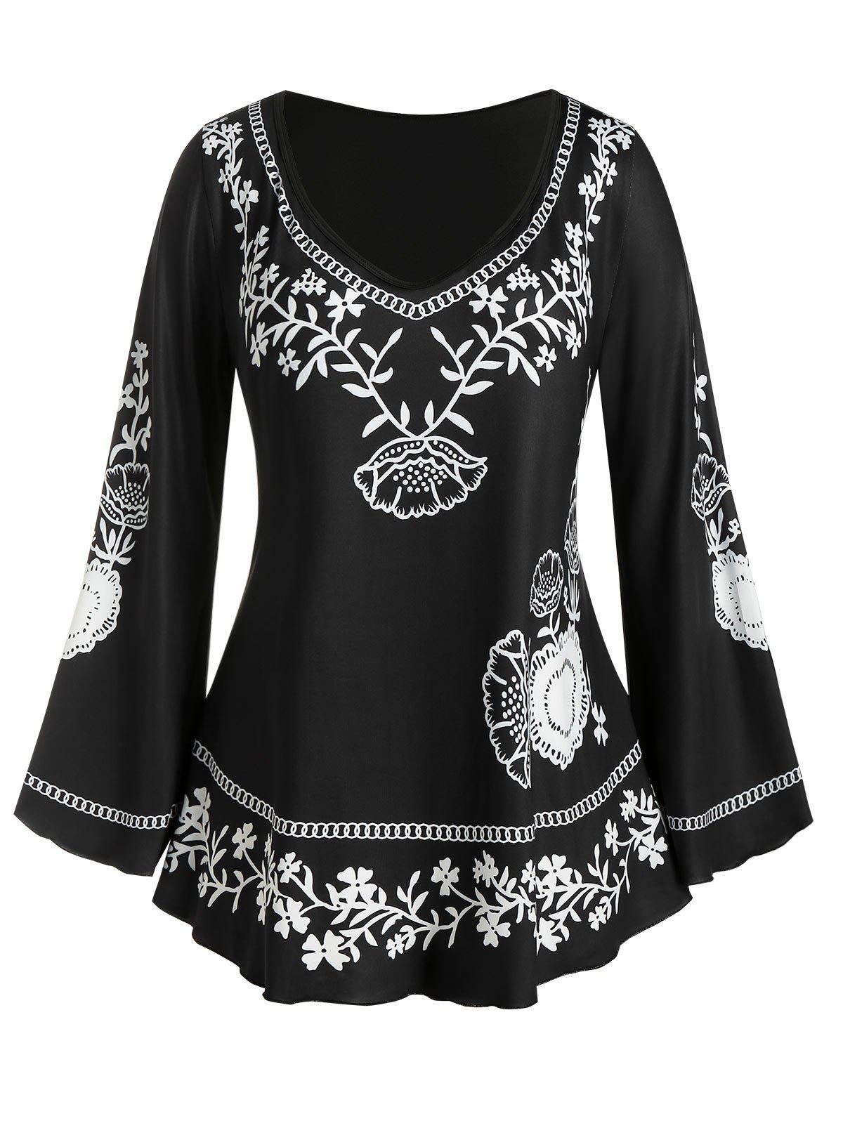 Plus Size Flower Chain Print Bell Sleeve Tee - BLACK 4X