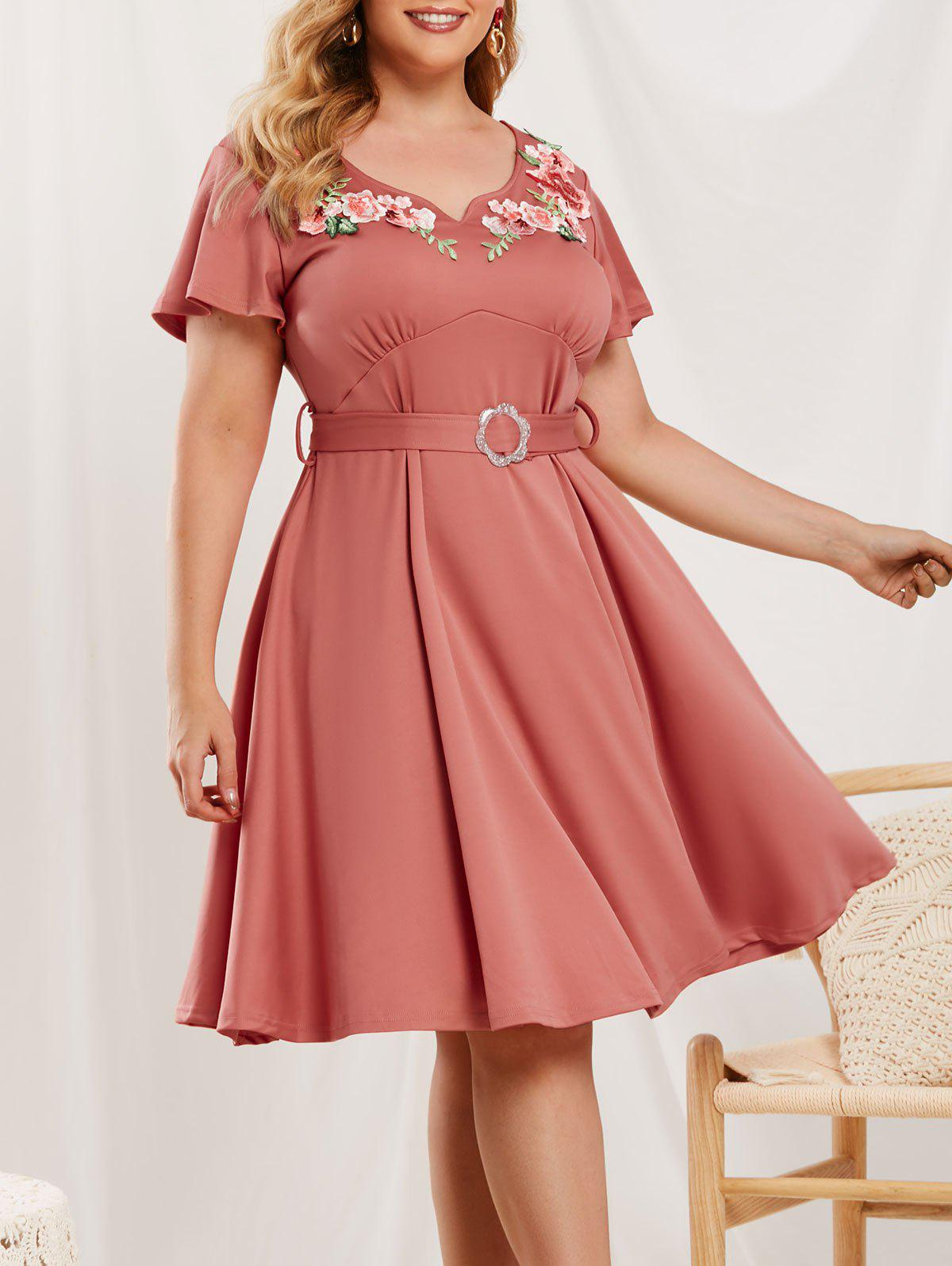 Plus Size Floral Applique A Line Dress - LIGHT PINK 2X