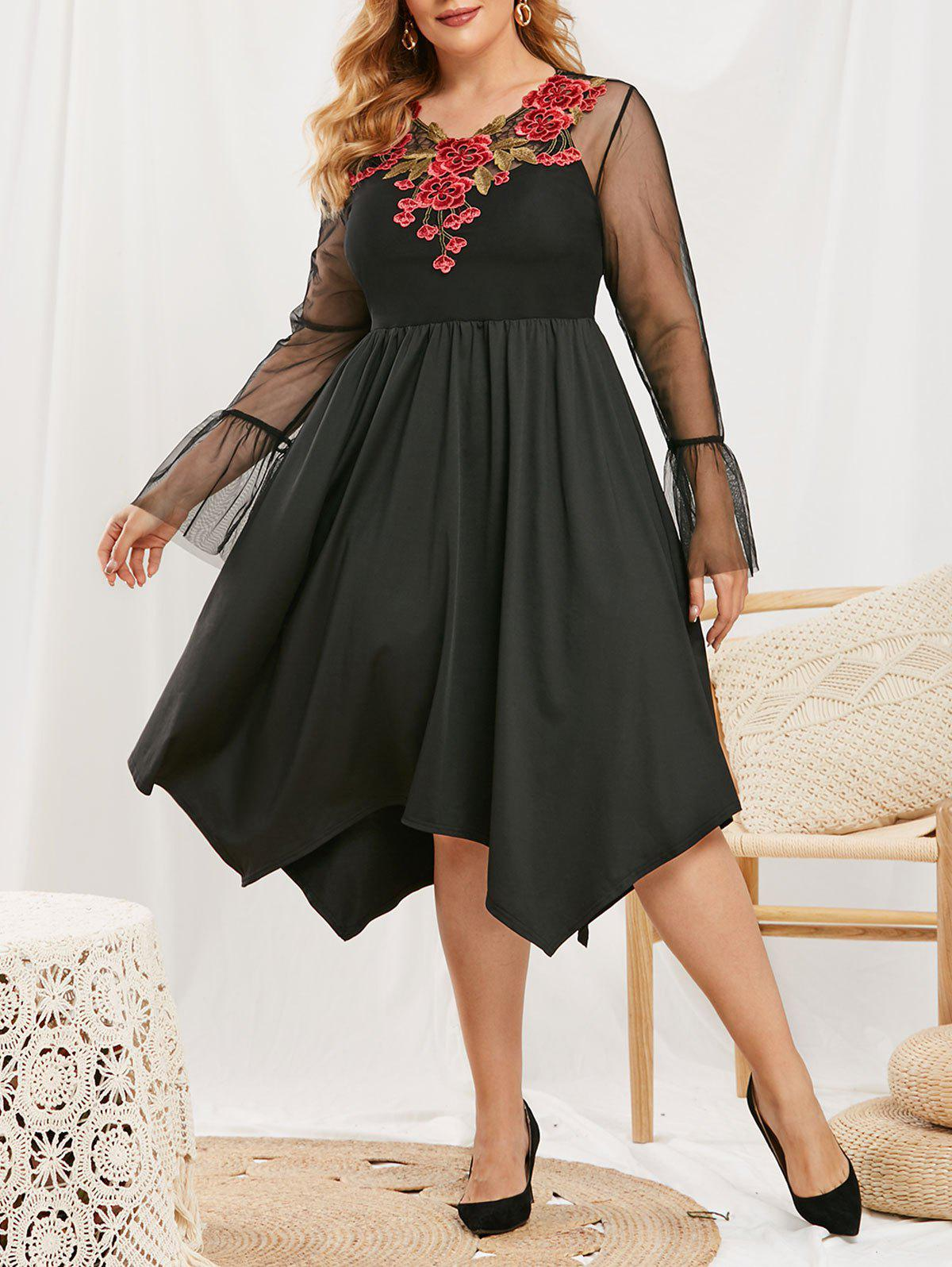 Plus Size Flower Applique Lace Bell Sleeve Dress with Camisole - BLACK 5X