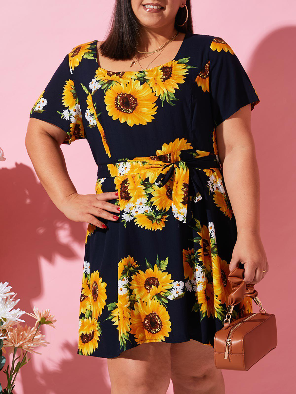Plus Size Sunflower Print Belted Smock Dress - BLACK 4XL