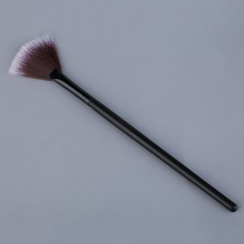 Slim Fan Shape Makeup Powder Concealer Blending Finishing Highlighter Brush - BROWN