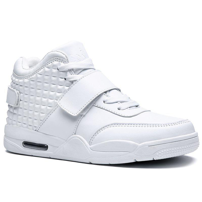 Breathable Solid Color Rivets Sneakers - WHITE 40