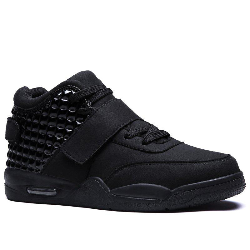 Breathable Solid Color Rivets Sneakers - BLACK 39