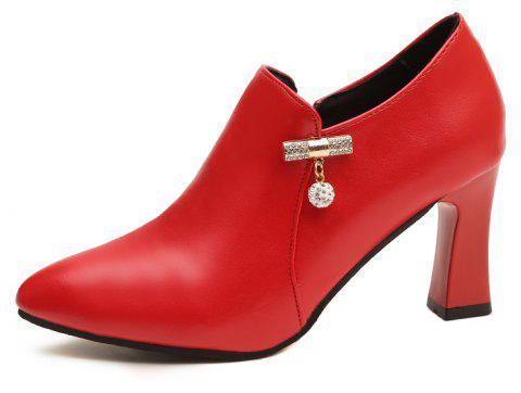 Un talon haut Diamond All-Match - Rouge 37